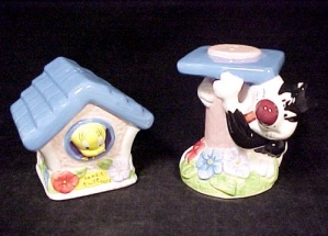 Looney Tunes Tweety & Sylvester Salt and Pepper Shakers (Image1)