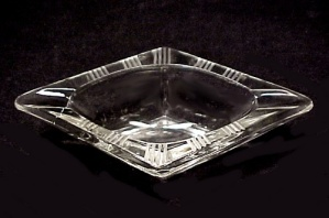 Diamond Cut Etched Elegant Glass Individual Ashtray (Image1)