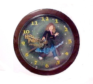 Harry Potter Sorcerer's Story Battery Wall Clock with H (Image1)