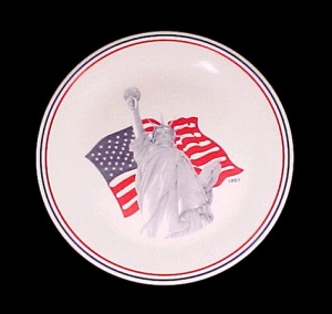 1991 Corelle Statue Of Liberty Us American Flag Plate