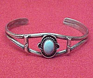 Silver Turquoise Cuff Bracelet Silvertone Tone Vintage. (Image1)