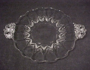 New Martinsville Viking Glass Janice 7 in Handled Plate (Image1)