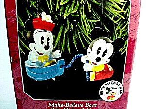1998 Hallmark Christmas Tree Ornament Make Believe Boat Baby Mickey (Image1)