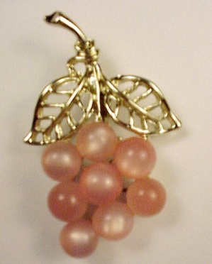 Pink Lucite Moonglow Necklace Pendant Bunch of Grapes (Image1)