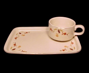 Autumn Leaf Cup Plate Snack Set Hall China Jewel Tea. (Image1)