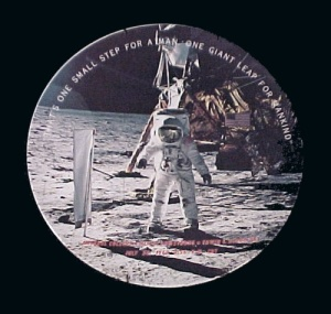 Texas Ware 1969 Man Walks on Moon Landing Plate (Image1)