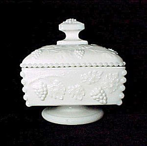 Westmoreland Milk Glass Beaded Grape Honey Box Candy (Image1)