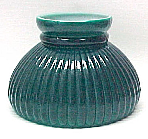 Green Glass 7 in Ribbed Student Kerosene Oil Lamp Shade (Image1)