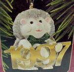 Click here to enlarge image and see more about item 56591: 1997 Hallmark Christmas Tree Ornament Fabulous Decade HedgeHog