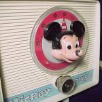 Click to view larger image of Vintage Mickey Mouse GE General Electric Clock Radio (Image3)