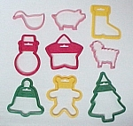 Click here to enlarge image and see more about item 83460: Lot of 9 Wilton Cookie Cutters Plastic Christmas Animal