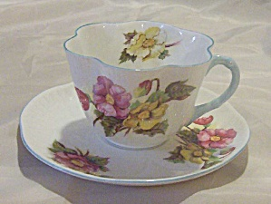 Shelley Begonia teacup and saucer (Image1)