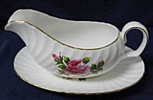 Northumbria Carleton Rose Gravy Boat With Saucer