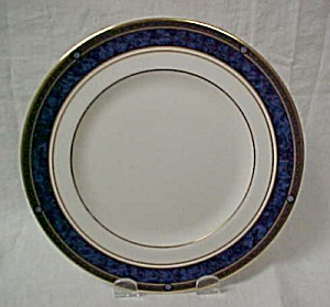 Royal Doulton Stanwyck (Bone) Salad Plate