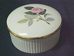 Wedgwood Hathaway Rose R4317 Trinket Box