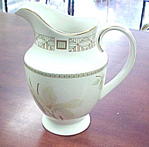 Royal Doulton White Nile Open Creamer