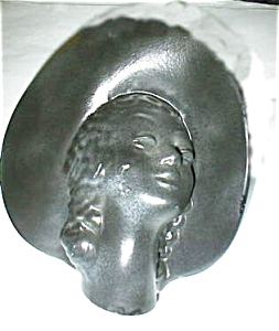 Ebony Rare Large Head Vase with Hat (Image1)
