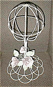 Vintage Like White Wire Hat Stand With Flower