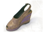 Click here to enlarge image and see more about item 25098: Just The Right Shoe Golden Leaf #25098