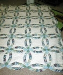 Click here to enlarge image and see more about item karenswedding: Karen's Wedding Ring Quilt