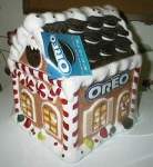 Click here to enlarge image and see more about item oreohouse: Oreo 2001 Gingerbread House Cookie Jar