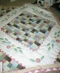 Click here to enlarge image and see more about item summerquilt: Summer Waltz Patchwork Quilt
