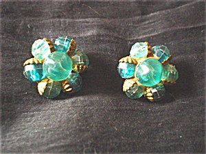 Green Plastic Cluster Clip Earrings (Image1)