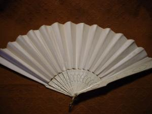 Victorian Ivory and Satin Fan (Image1)