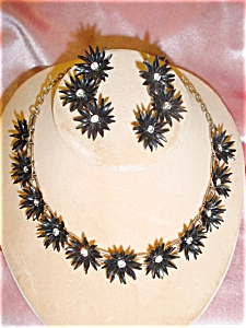 Black Plastic Flower Necklace And Earring Set