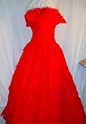 Vintage Red Lace Alfred Angelo Dress (Image1)