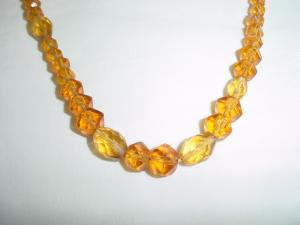 Amber colored glass necklace (Image1)
