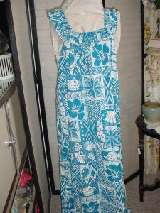 Vintage Blue and White Hawaiian dress (Image1)