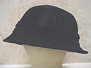 c1915 Black Velveteen Hat (Image1)