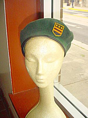 Vintage Basque Hunter Green Beret (Image1)