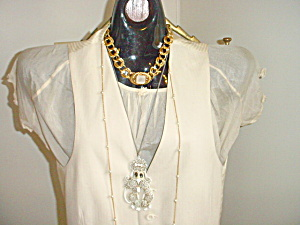 Long Chain and Pearl Color Bead Necklace 1960 (Image1)