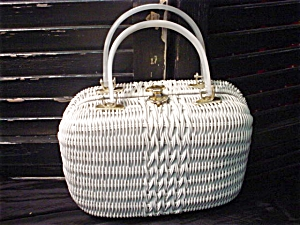 White Wicker with lucite handles Handbag (Image1)