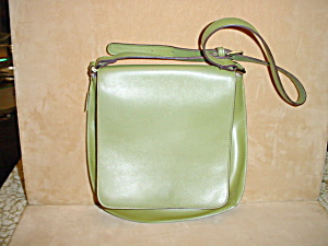 Liz Claiborne Green Shoulder Strap Purse (Image1)