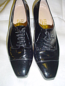 Vintage patent leather Ferragamo shoes (Image1)