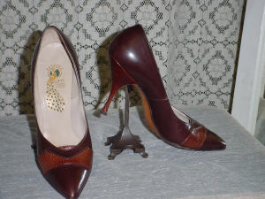 Peacock Brown Heels (Image1)