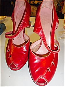 1940's Red Leather Open toe Platform shoes (Image1)