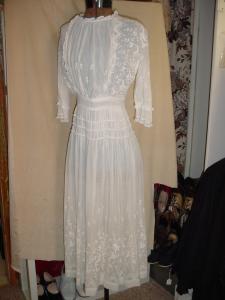 c1900 Edwardian White on White Emb. Dress (Image1)