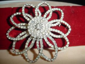 Weiss Large Rhinestone Flower Pin (Image1)