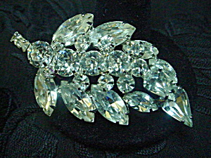 Weiss Crystal Rhinestone Leaf Pin 50's/60's (Image1)