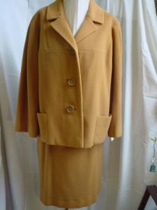 Cashmere Cinnamon-colored Suit (Image1)