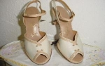 Click here to enlarge image and see more about item sb1018: 1950's open toe beige shoes