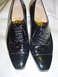 Click here to enlarge image and see more about item sb1031: Vintage patent leather Ferragamo shoes