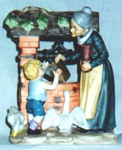 Lefton Figurine / Grandmother & Grandson (Image1)