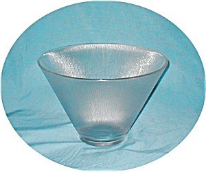 Textured Ribbed Design Bowl (Image1)