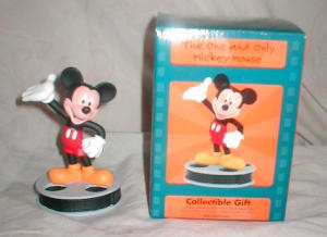 Mickey Mouse Figurine (Image1)