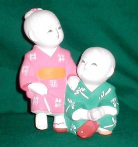 Hakata Boy & Girl Figurine (Image1)